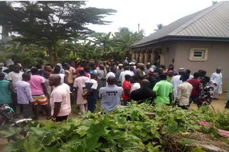 Picture-shows-over-50-persons-at-a-recent-gathering-in-Delta-State,-with-no-face-masks-worn-and-no-social-distancing-enforced