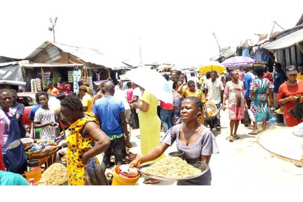 Trading-activities-in-a-market-in-Yenagoa,-Bayelsa-State-in-the-face-of-the-partial-lockdown-declared-by-the-state-government
