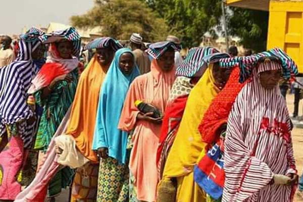 Borno-women-on-a-queue,-waiting-to-receive-relief-materials-on-behalf-of-their-families